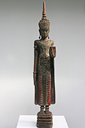 39. Adorned Buddha - Post Angkorian Style - XVIII century - Wood - H. 1,43m - W. 21Kg - USD2500 -