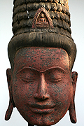 011 Buddha's masque - Wood - H:1,06m, W:43cm, W:33Kg  with pedestal - USD2200 -